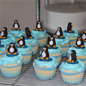 penguin cup cakes